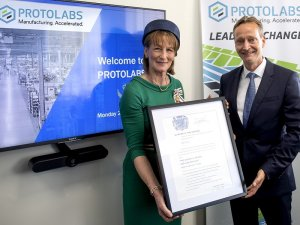 Shropshire___s_Lord_Lieutenant_Anna_Turner__presenting_the_2019_winner_Protolabs_Europe_with_its_award